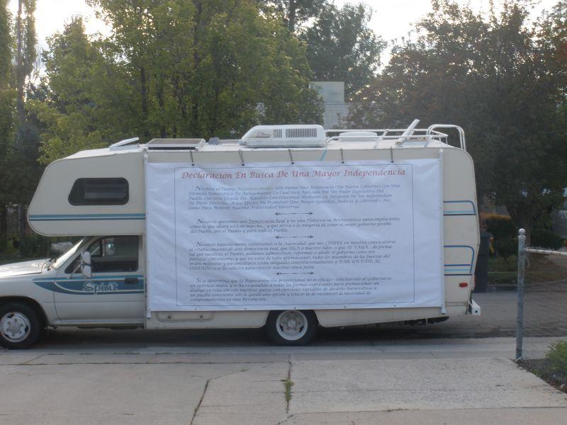 Spirit Wagon Spanish Banner (94K)
